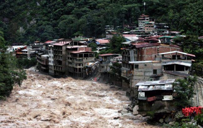 Фото: в марте на Перу обрушились сильные наводнения