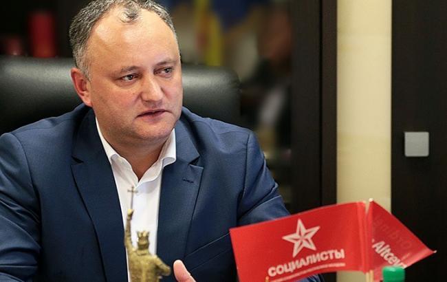 Экс-глава Румынии подал всуд напрезидента Молдавии
