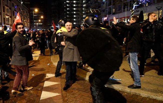 Посла Нідерландів в третій раз викликали в МЗС Туреччини через конфлікт в Роттердамі, - Reuters