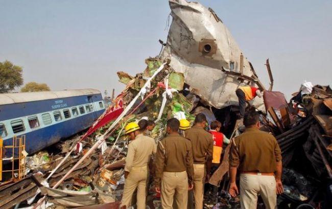 Фото: железнодорожная катастрофа