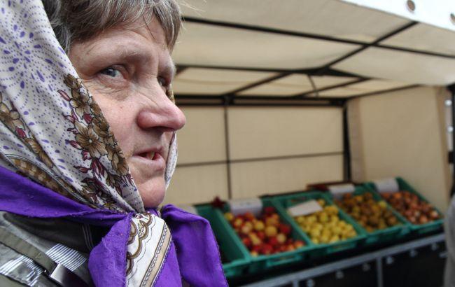 Не пенсионеры: стало известно, кто самый бедный среди украинцев