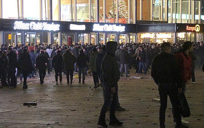 Фото: у новорічну ніч в Кельні було мало правоохоронців