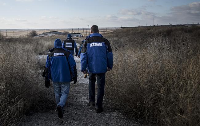 Фото: спостерігачі СММ ОБСЄ (OSCE/Evgeniy Maloletka)
