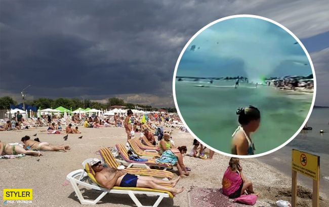 Люди падали на пісок: по пляжу Одеси пронісся величезний смерч (відео)