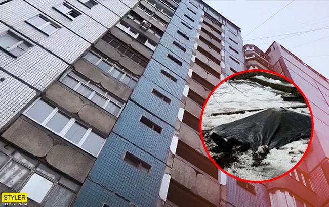 В Киеве молодой парень выбросился из окна многоэтажки