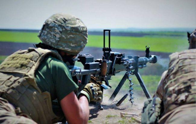 Бойовики стріляли поблизу Мар'їнки, поранений військовий