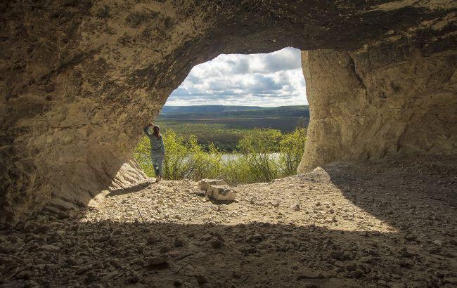 """Космічні пейзажі, """"Версаль"""" та монастир у скелях: кращі локації Вінниччини для подорожі у міжсезоння"""