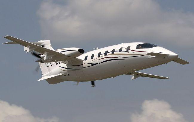 "В ""Борисполе"" заметили самолетик ""Феррари"" за 200 млн (фото)"