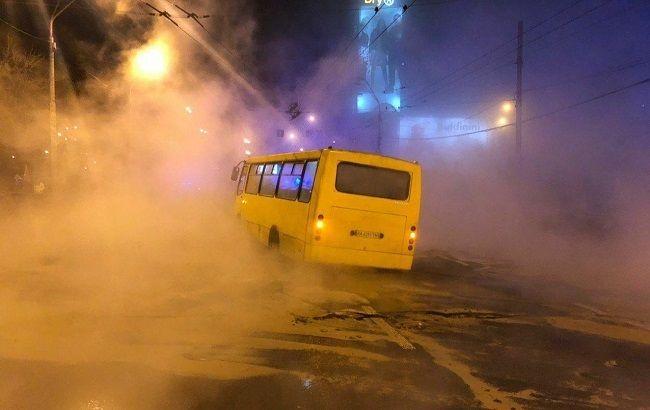 ЧП в Ocean Plaza в Киеве: люди бежали через кипяток и выбивали стекла (видео)