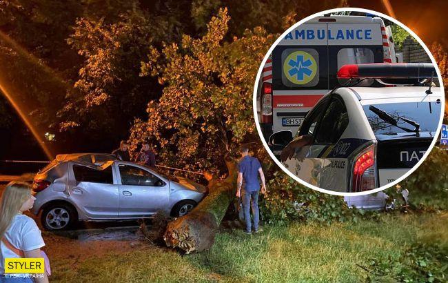 Во Львове пронесся страшный ураган: двое людей погибли на месте