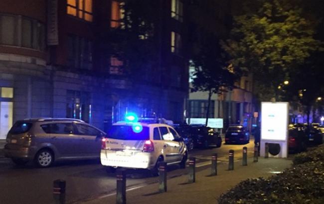 Фото: чоловік, який захопив заручників у брюссельському супермаркеті, здався поліції