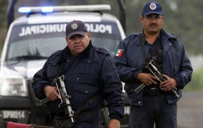 Фото: полицию Мексики обвинили в массовом убийстве представителей наркокартеля