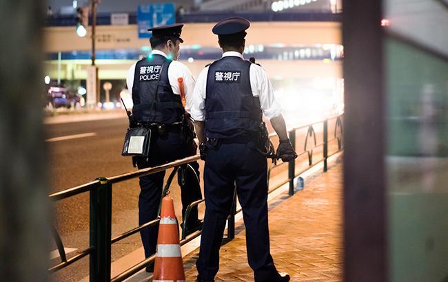ВЯпонии мужчина напал сножом напассажиров поезда, необошлось без жертв