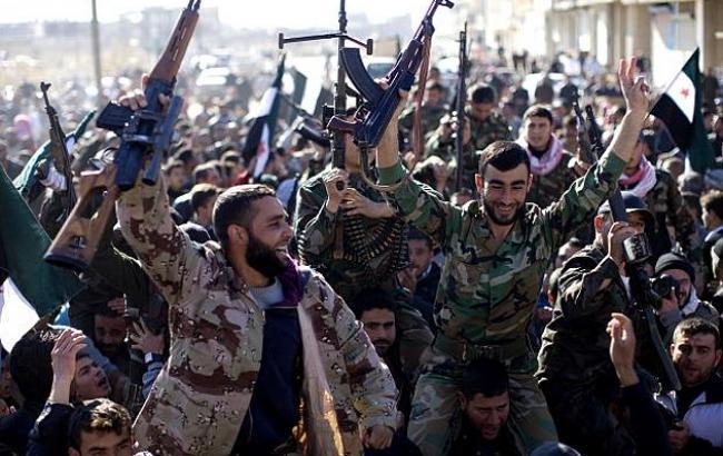 Фото: сирійські повстанці наблизилися до контрольованого ІДІЛ Дабіка