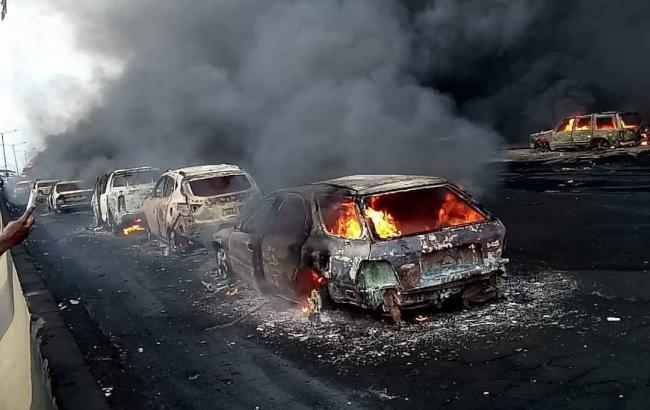 В Нигерии в результате возгорания цистерны с топливом на мосту погибли 9 человек