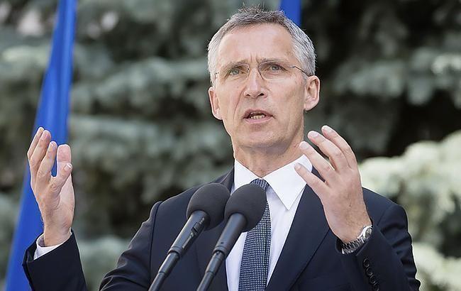 Столтенберг: в НАТО не намерены отступать перед напором России