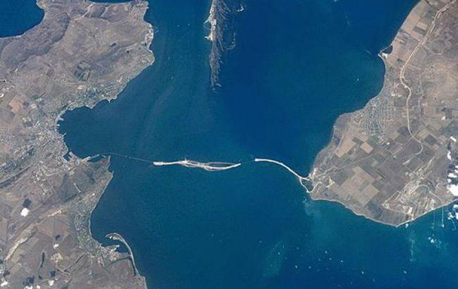 Через Керченську протоку відновлено рух суден в порти Маріуполь і Бердянськ