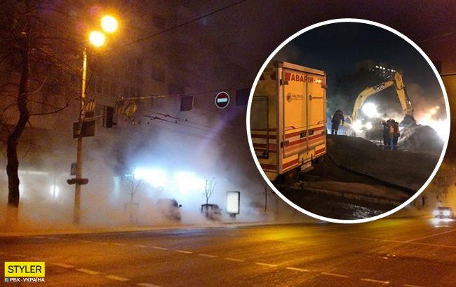В Киеве снова прорвало трубы: где произошло ЧП