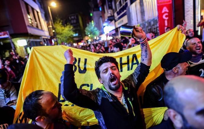 Фото: у Туреччині протестують проти результатів референдуму