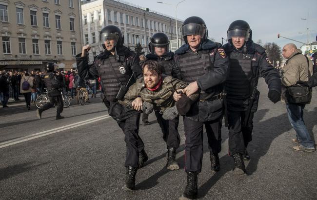 В российской столице начали «паковать» активистов— Антикоррупционный митинг