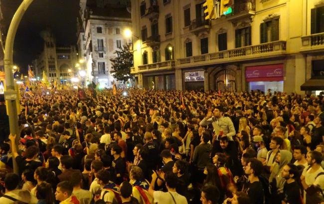 У Барселоні акції прихильників незалежності Каталонії переросли у заворушення