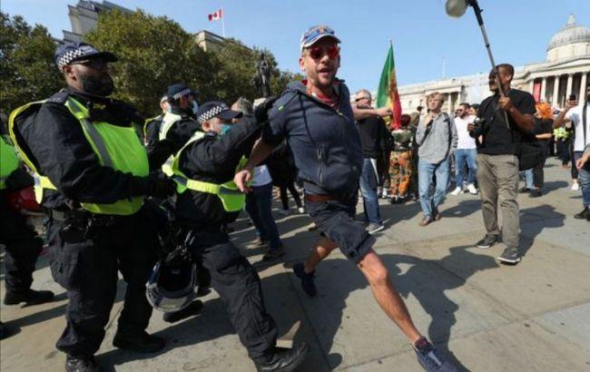У Лондоні сталися сутички між протестувальниками проти карантину і поліцією, є постраждалі