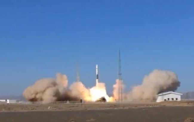 Китай запустил в космос два спутника