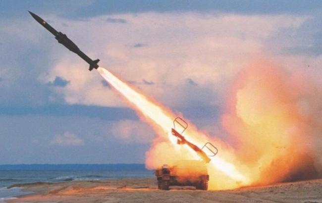 Фото: Запуск ракети (oboi-dlja-stola.ru)