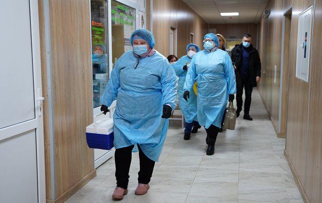 Частина партії вакцини Pfizer завтра поїде в облцентри, перші уколи зроблять в неділю, - Ляшко