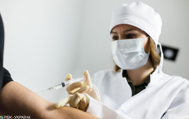 В Херсонській області почали вакцинувати жителів Криму: де можна зробити щеплення