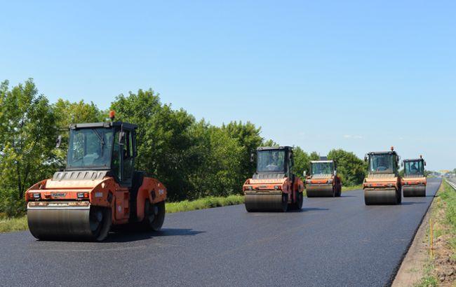 Фото: ремонт головних доріг завершиться до 15 червня