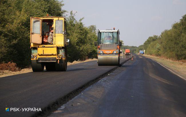 СБУ викрила розкрадання на будівництві доріг у двох областях