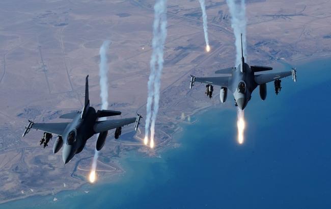 Фото: Росія знову завдала авіаудару по опозиції в Сирії