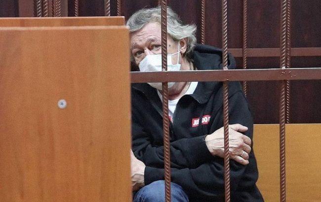 Єфремова можуть відпустити: не виявили відбитків на кермі