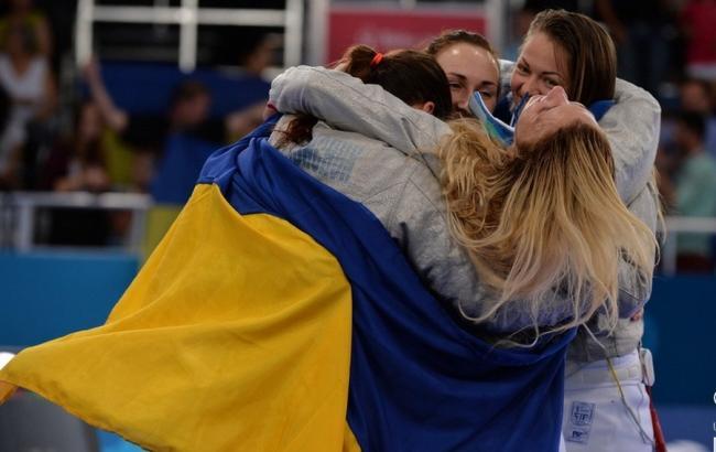 Фото: українська команда з фехтування на шаблях завоювала срібло на Кубку світу