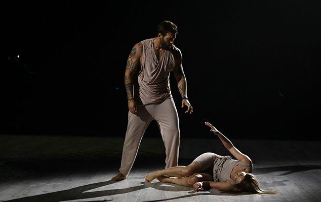 Участник Танцев со звездами 2019 посвятил номер маме и довел всех до слез