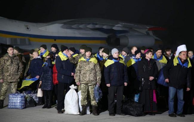Самолеты с освобожденными заложниками приземлились в «Борисполе»