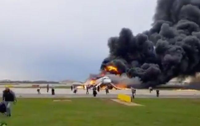 СК Росії повідомив про 13 загиблих під час пожежі літака в Шереметьєво
