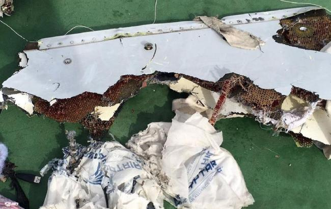 Фото: на обломках самолета авиакомпании EgyptAir обнаружили следы взрывчатки