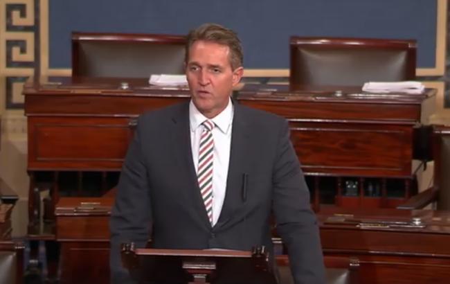 Фото: сенатор Джефф Флэйк (скриншот видео)