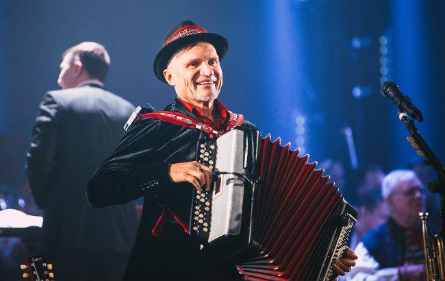 Олег Скрипка анонсировал большой весенний концерт с оркестром