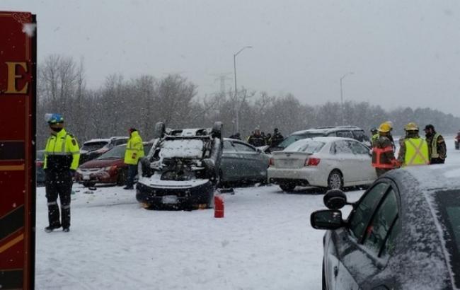 В Канаде столкнулись 100 автомобилей