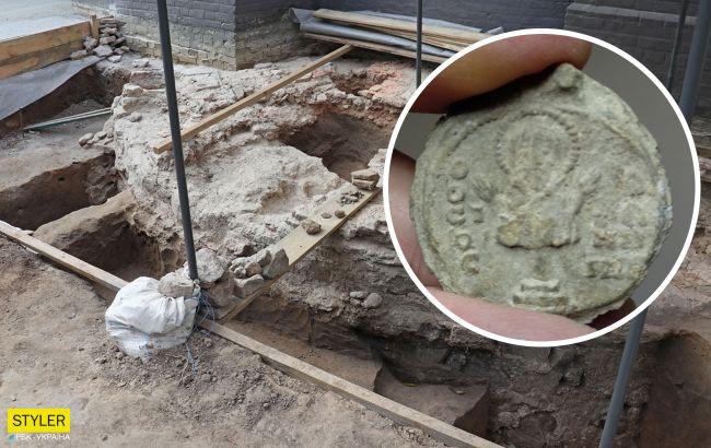У Софії Київській знайшли унікальну 900-річну печатку легендарного ігумена-паломника