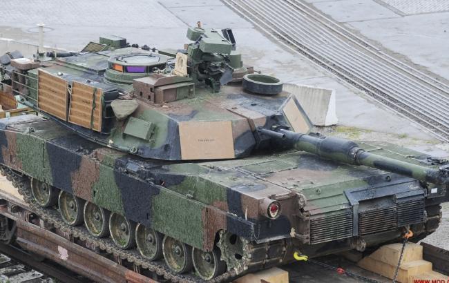 Фото: американська техніка прибула в грузинський порт для військових навчань