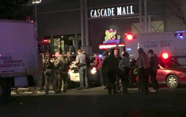 Фото: стрельба в торговом центре в США
