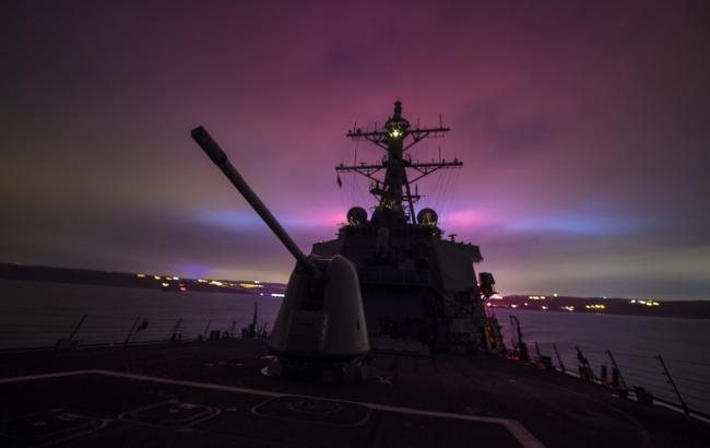"""Есмінець США проплив біля Владивостока у відповідь на """"надмірні претензії Росії"""""""