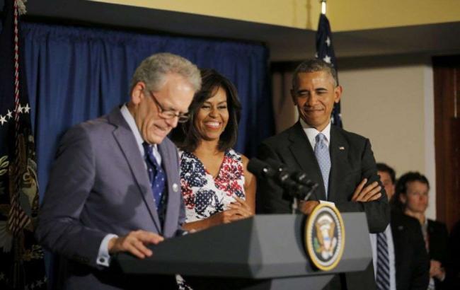 Обама готов отдать дочерей вармию— Папа непротив