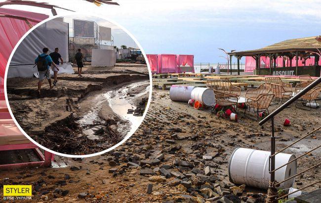 Затоплены магазины, уничтожен пляж и асфальт: на Одессу налетел жуткий ураган