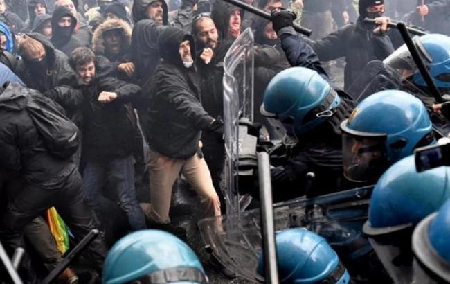 Фото: во Флоренции произошли столкновения демонстрантов с полицией