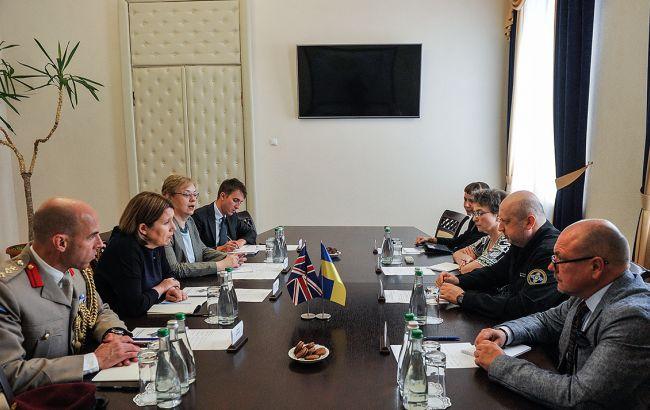 Турчинов допускає провокації через посилення десантних спроможностей РФ в Азовському морі